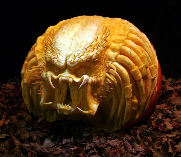 ray-villafane-pumpkin14
